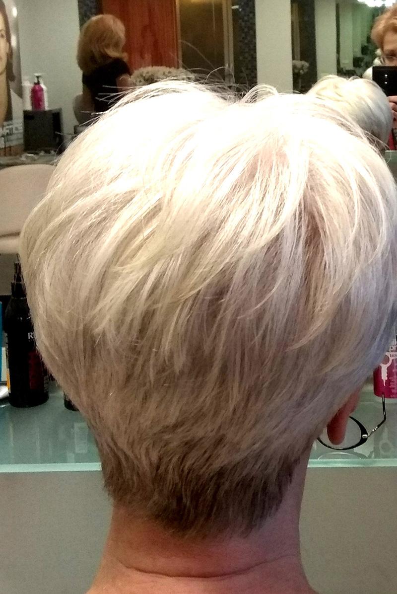 Стрижка коротких волос Красивая седина! Серебро в волосах!